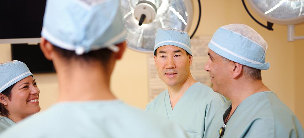 surgeons doctors group 2
