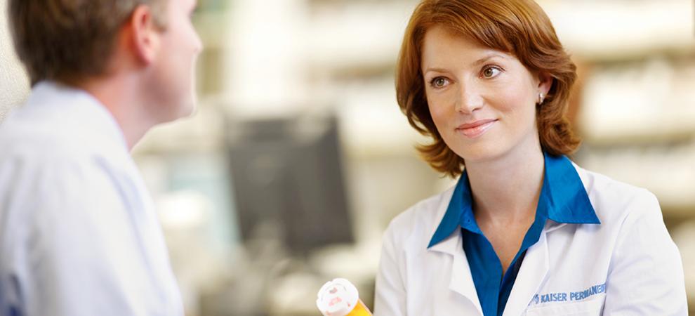 Pharmacy woman doctor female