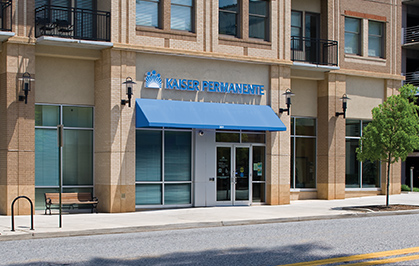 Exterior of Kaiser Permanente store-front location.